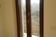 finestra con serratura e chiave