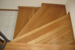 Scala ad angolo in legno