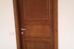 Porta in legno massiccio
