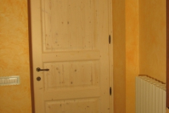 999 porta abete massello a bugne