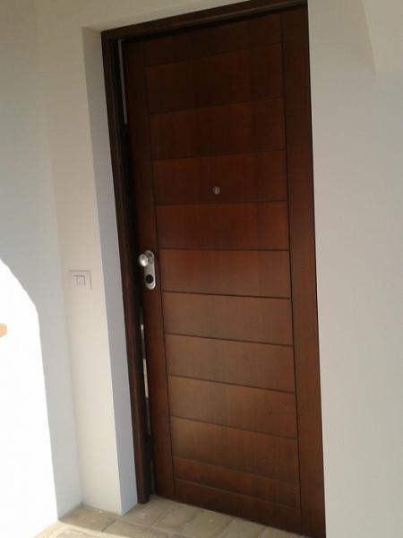 Portoni in legno e portoni blindati chiusure di sicurezza - Portoncini blindati da esterno ...