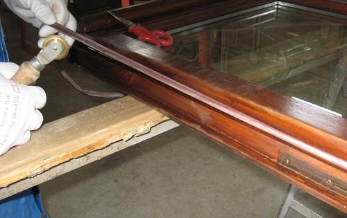 Ristrutturazione finestre in legno restauro infissi - Guarnizioni finestre vecchie ...