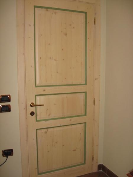 porta su misura in legno